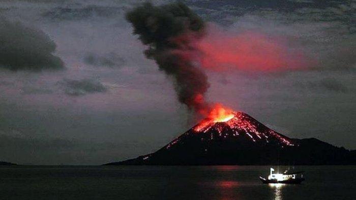 BREAKING NEWS: Tsunami Landa Pantai Anyer 2