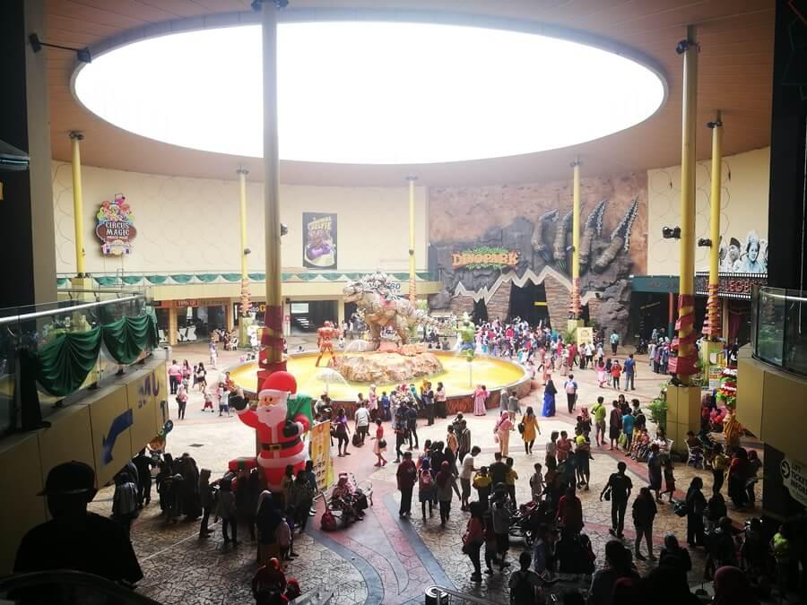 Serunya Menghabiskan Libur Natal Bersama Keluarga di Jawa Timur Park 13