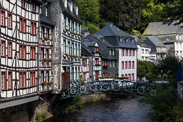 5 Desa Mempesona di Eropa Barat dengan Keindahan yang Menakjubkan 8