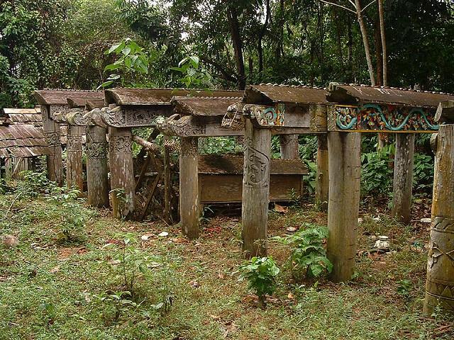 5 Situs Pemakaman Nusantara yang Cocok Dikunjungi Traveler Pemberani 8