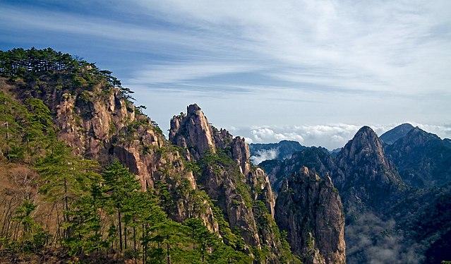5 Gunung yang Menjadi Favorit Pendaki di Dunia 3