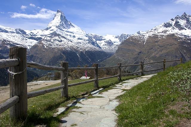 5 Gunung yang Menjadi Favorit Pendaki di Dunia 4