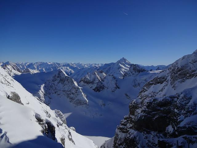Mt Titlis: Surga di Puncak Tertinggi Swiss 1