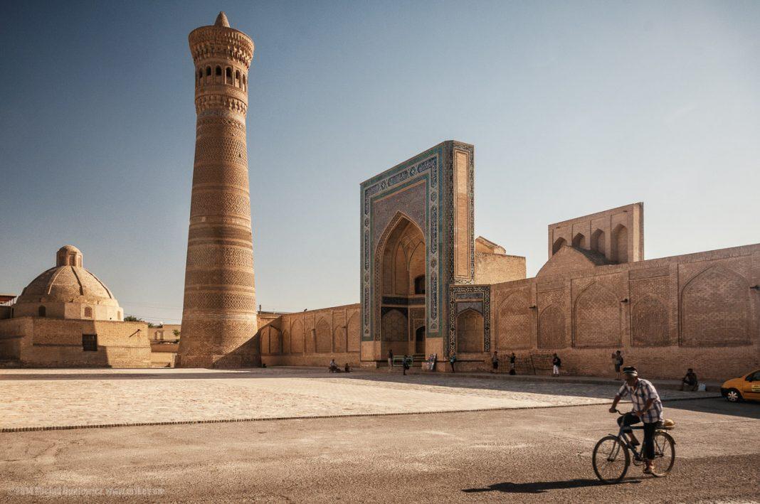 Tempat Menarik di Uzbektistan