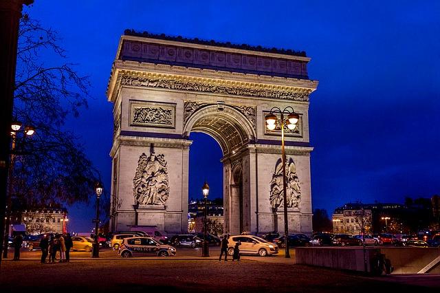 5 Spot Menarik di Paris yang Wajib Dikunjungi 4
