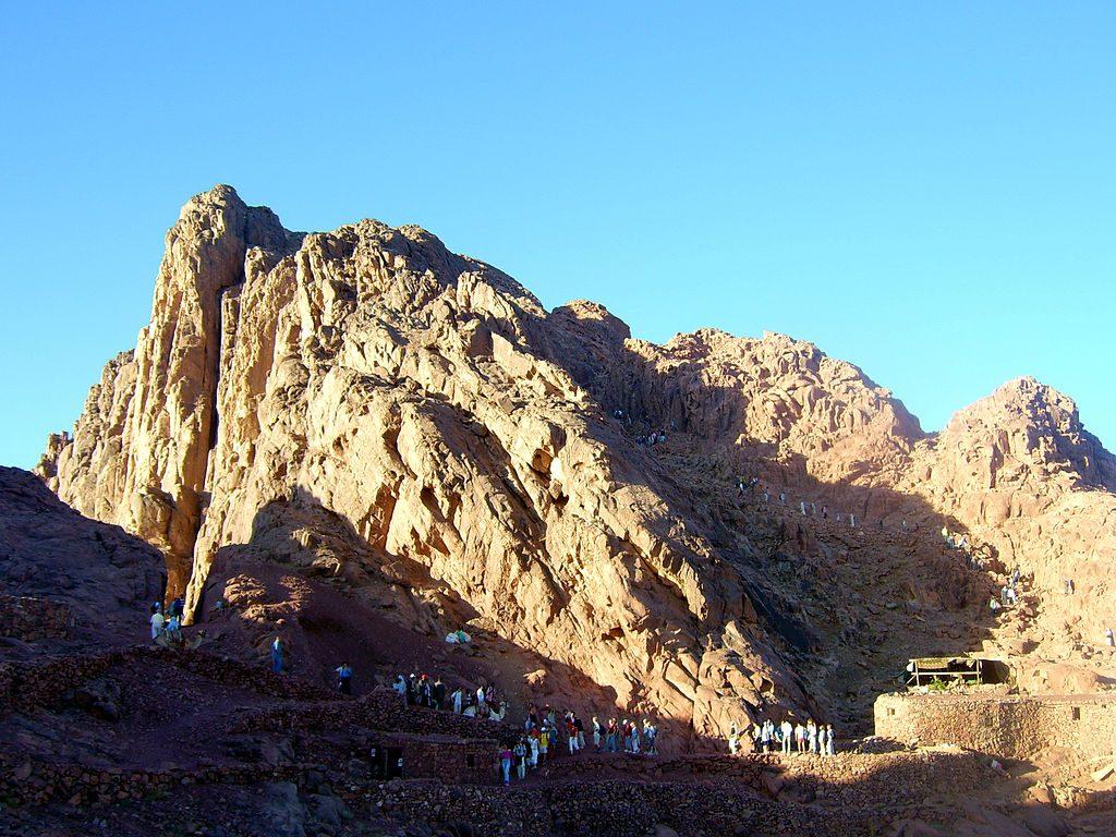 Gunung Sinai, Destinasi Wisata Religi Sekaligus Alam Nan Eksotis 1
