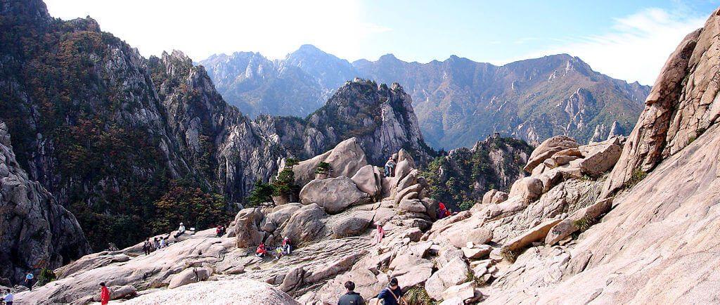 Menikmati Keindahan Korea Selatan dari Mt Seorak 1
