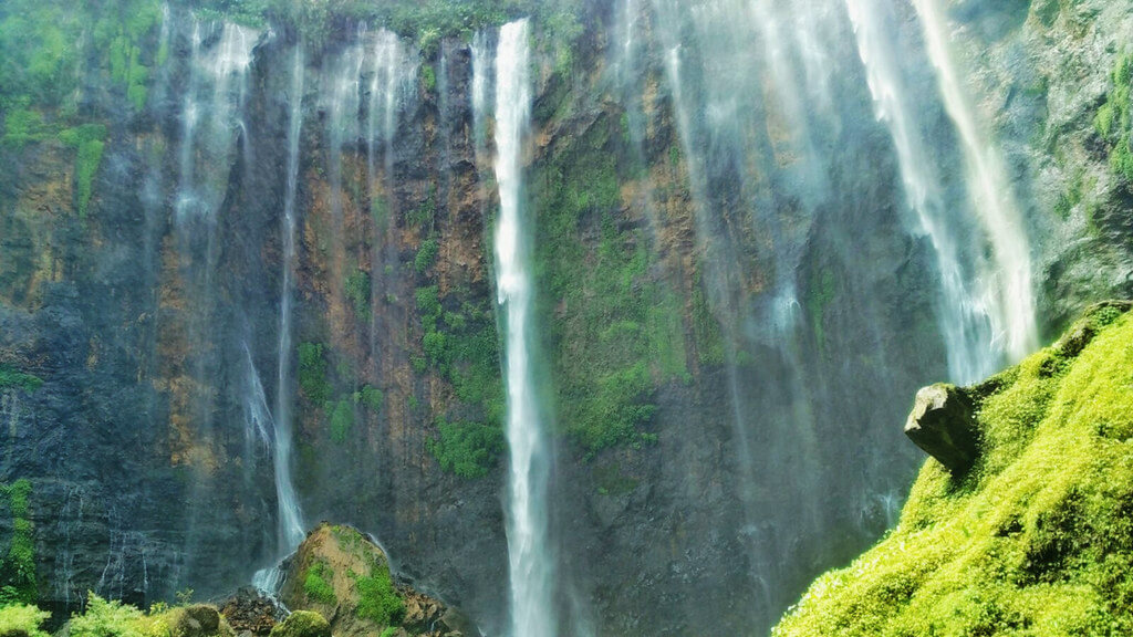 Bikin Betah! Inilah 5 Destinasi Wisata Hits di Jawa Timur 3
