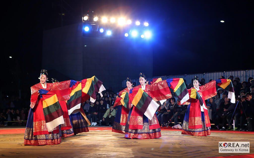 Mengenal Festival Chuseok Saat Musim Gugur di Korea Selatan 1