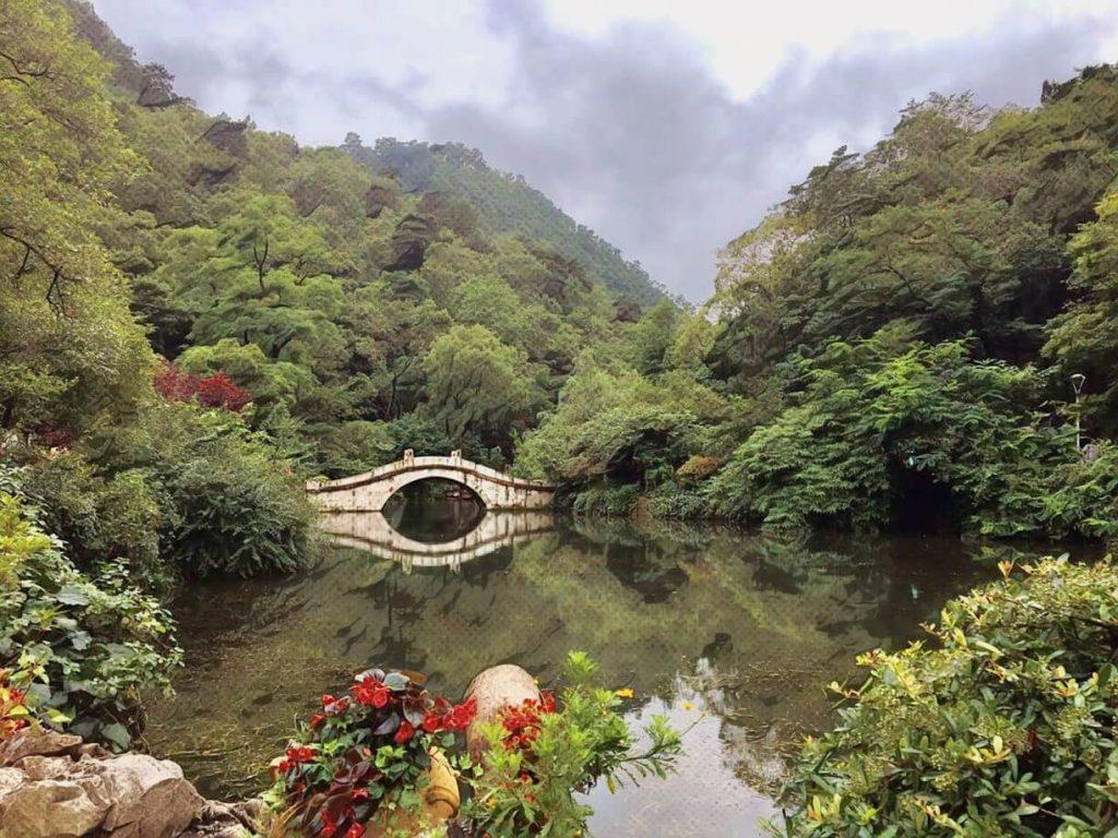 Serunya Menjelajah Qianling Mountain Park 1