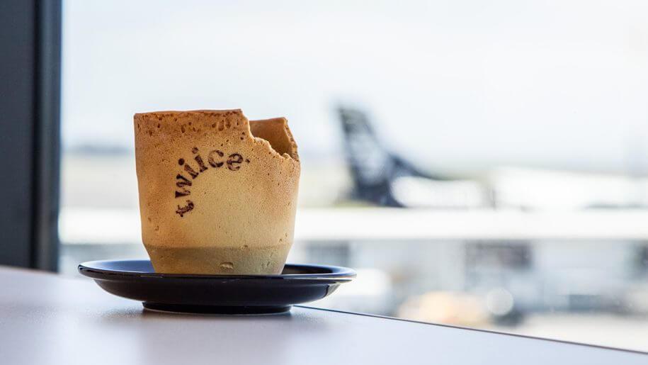 Demi Lingkungan, Air New Zealand Hadirkan Gelas Kopi dari Biskuit 1