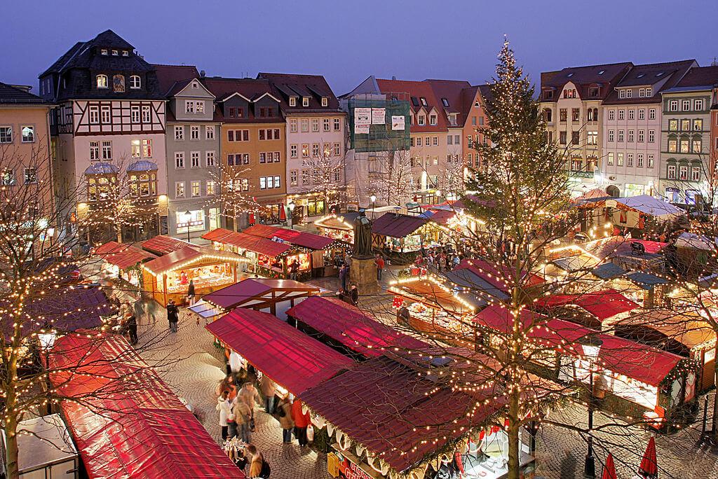 10 Negara Terbaik Untuk Dikunjungi pada Liburan Natal dan Tahun Baru 15