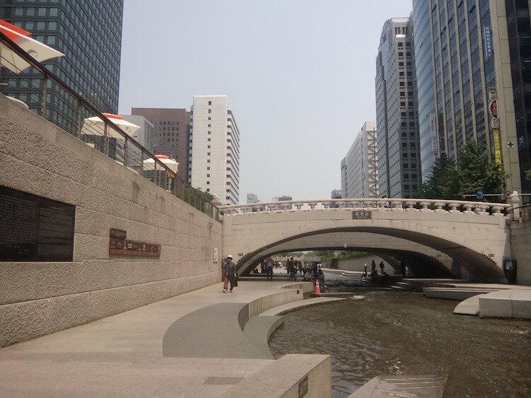 Cheonggyecheon Stream Tawarkan Ketenangan Alami di Tengah Kota Seoul 3