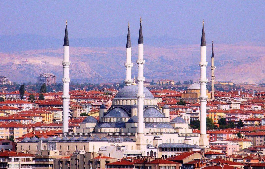masjid di turkin
