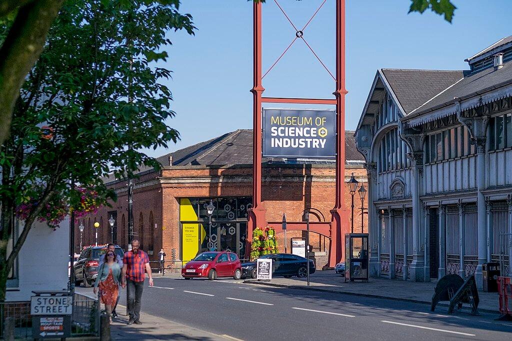 Destinasi dan Kuliner Terbaik yang Ada di Kota Manchester 19